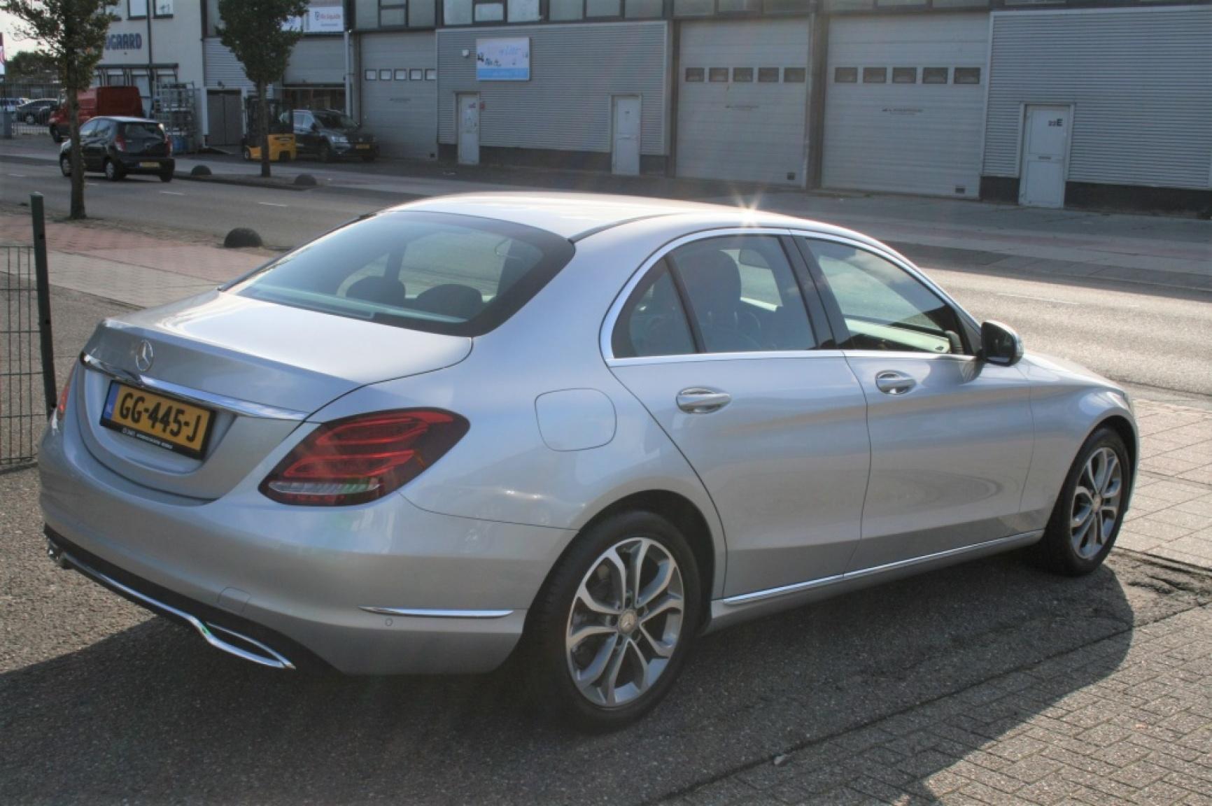 Mercedes-Benz-C-Klasse-5