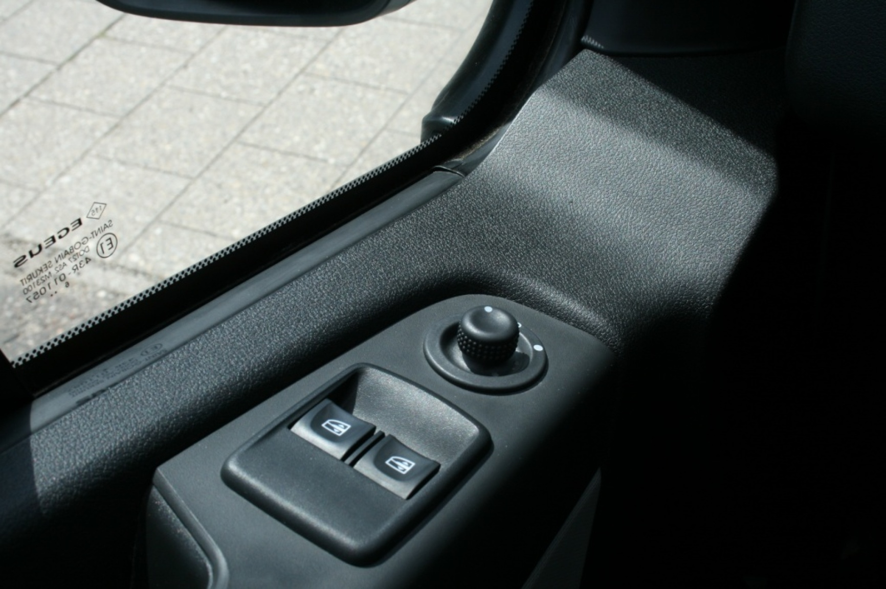 Renault-Trafic-13
