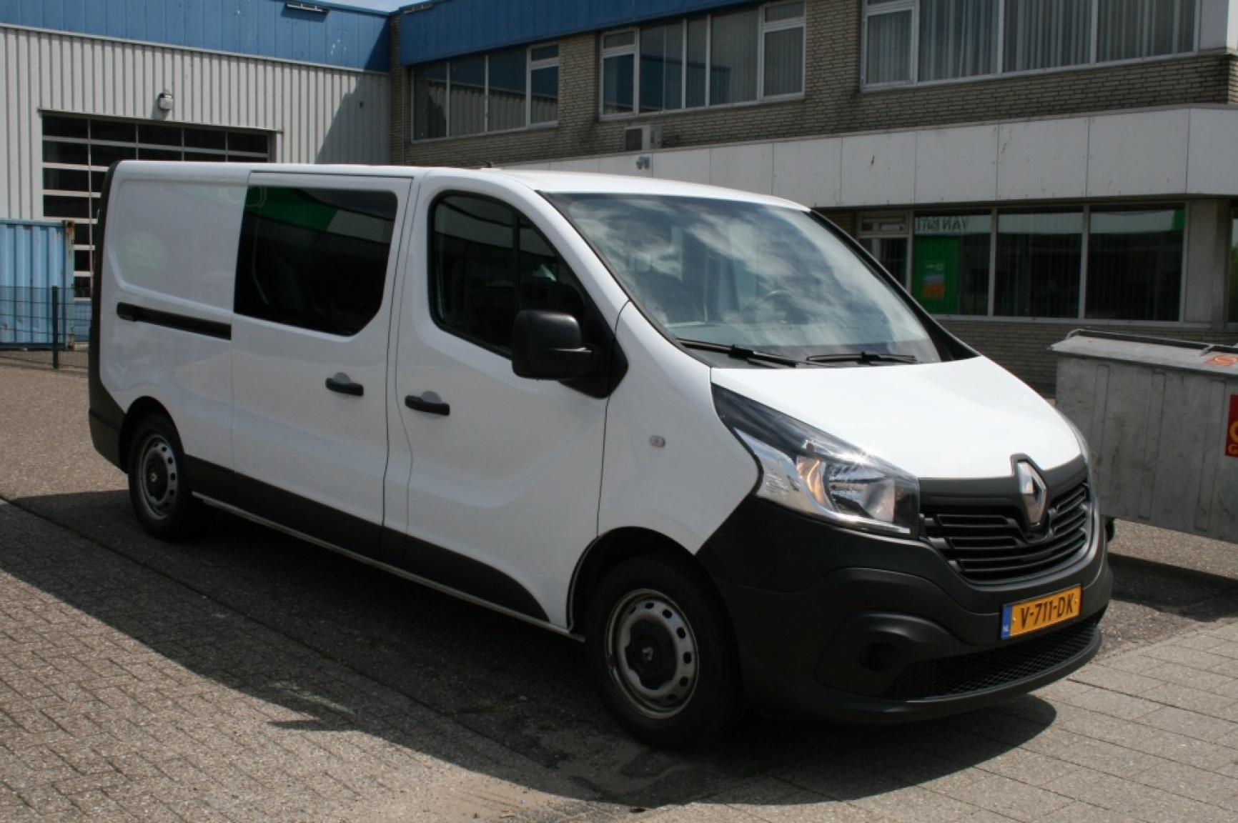 Renault-Trafic-5