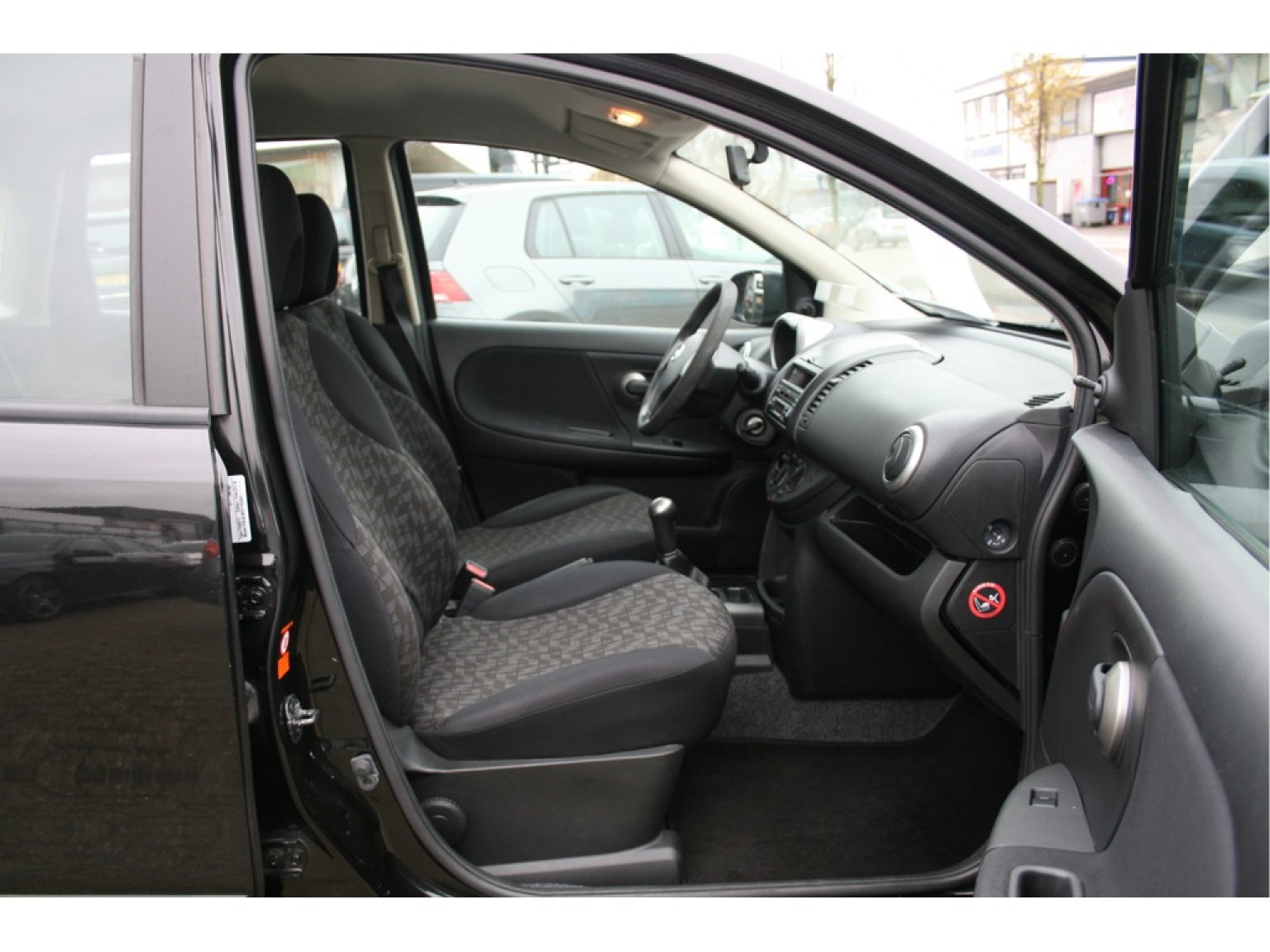 Nissan-Note-17