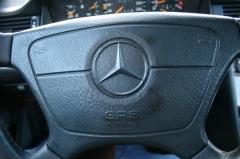 Mercedes-Benz-E-Klasse-13