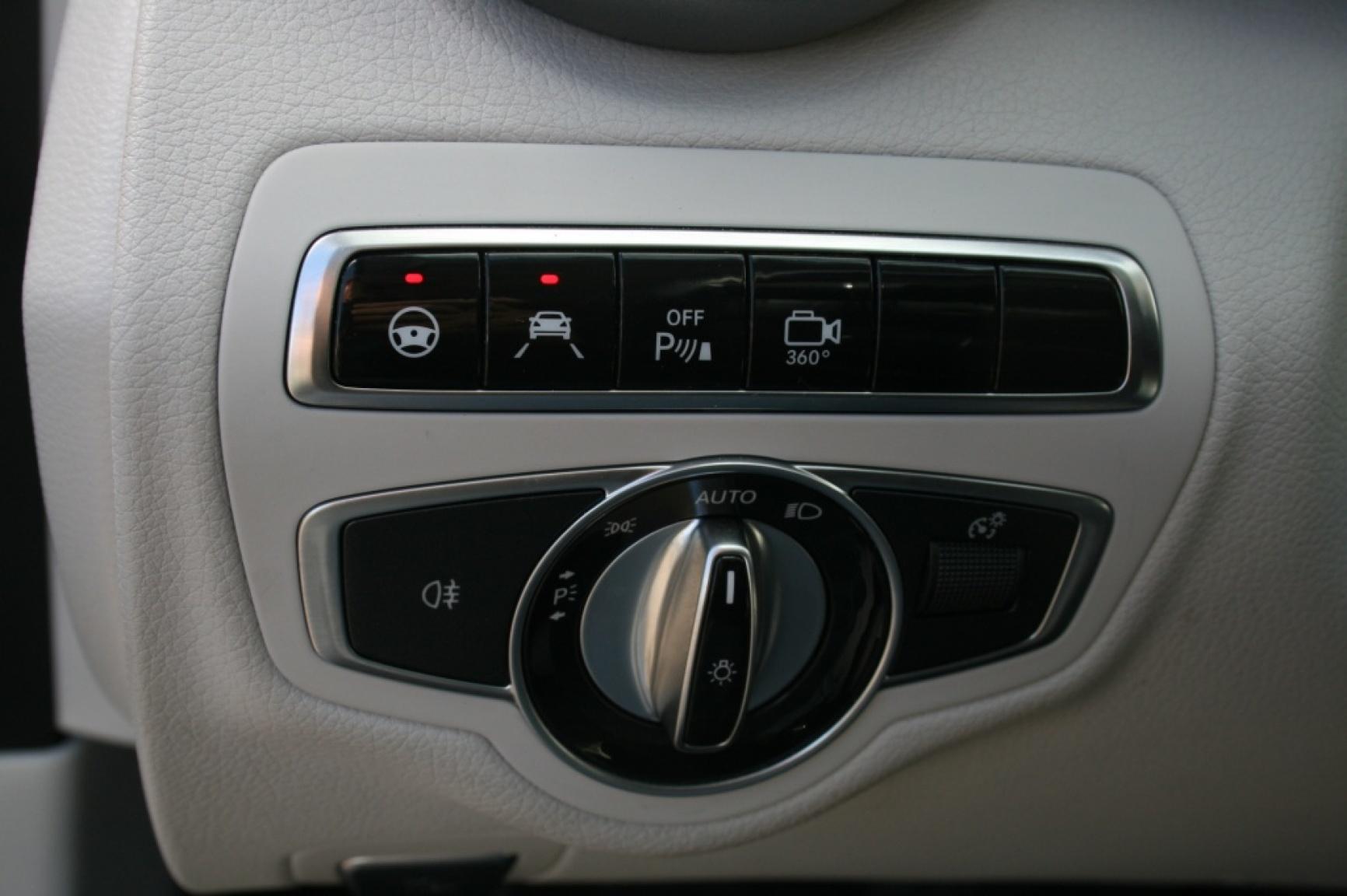 Mercedes-Benz-C-Klasse-20