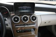 Mercedes-Benz-C-Klasse-21